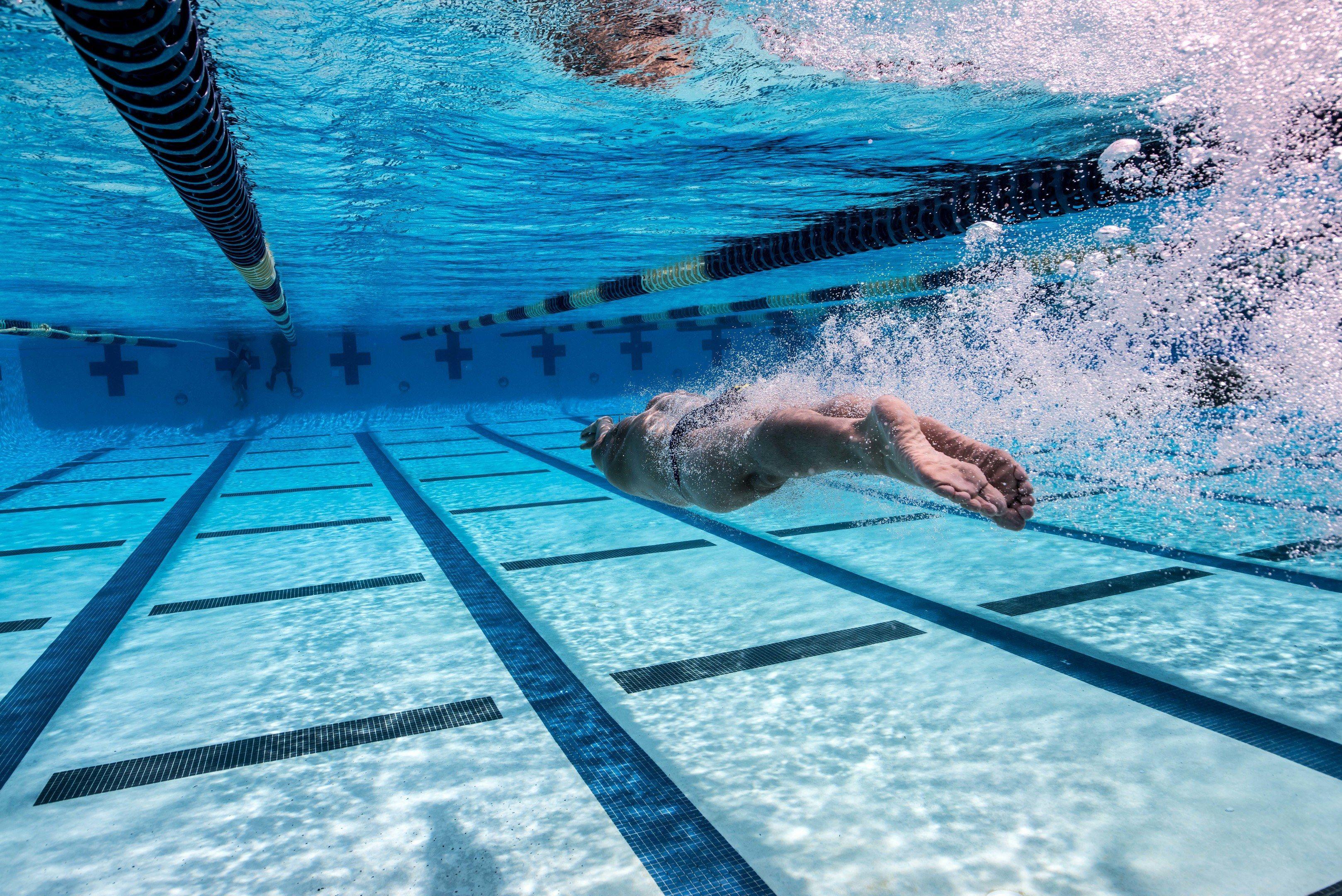 Идеальный вид спорта для астматика - плавание
