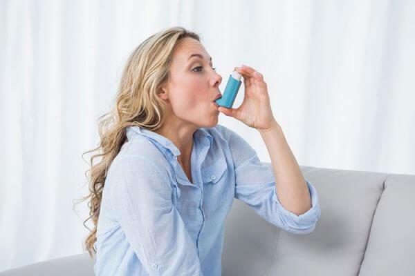 Массаж при лечении бронхиальной астмы: виды и методики для взрослых и детей